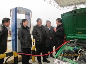 陕南第一座cng汽车加气站实现试运行高清图片